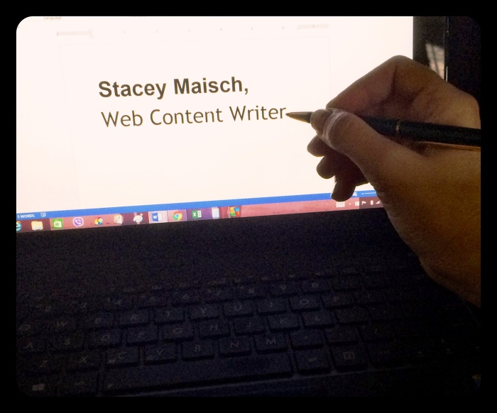 StaceyMaischWritingBlogPenLaptop